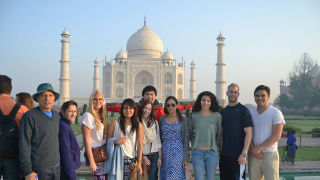 Students visit Taj Mahal on Summer Study Abroad
